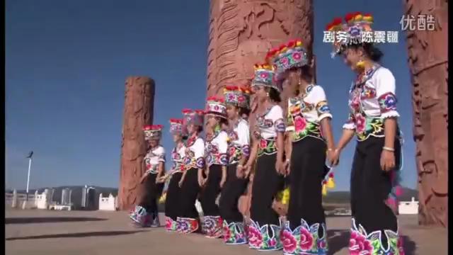 云南省西双版纳傣族自治州歌舞表演33...