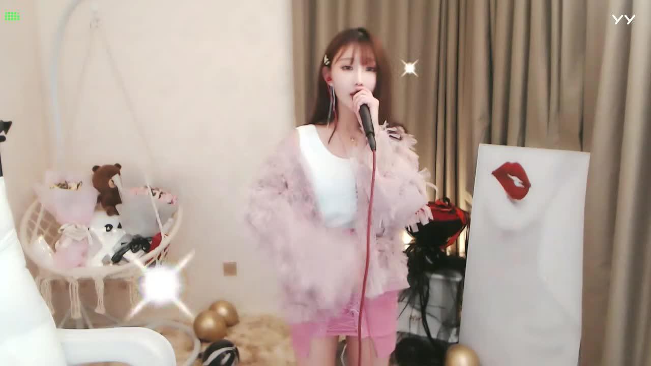 #音乐最前线#女主播实力演唱,超有明星范!