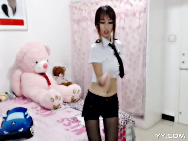 美女热舞《初恋》-主播MOMO墨墨