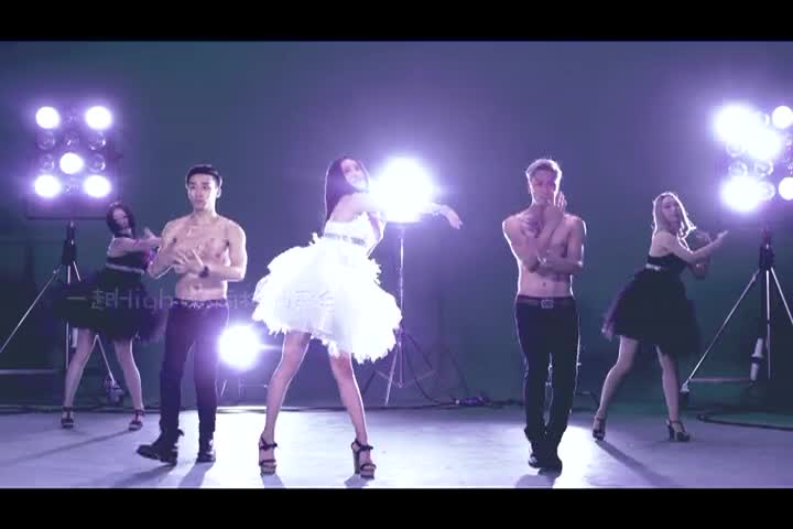 美女热舞《紫羊热带约会MV》-主播紫羊