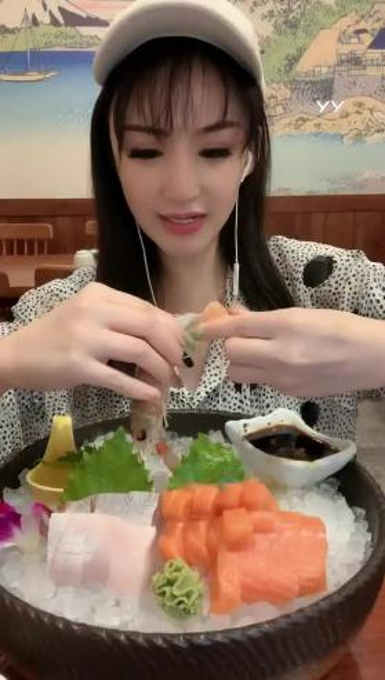 #户外精彩时刻#袁瑞彤精彩吃播,好想吃啊